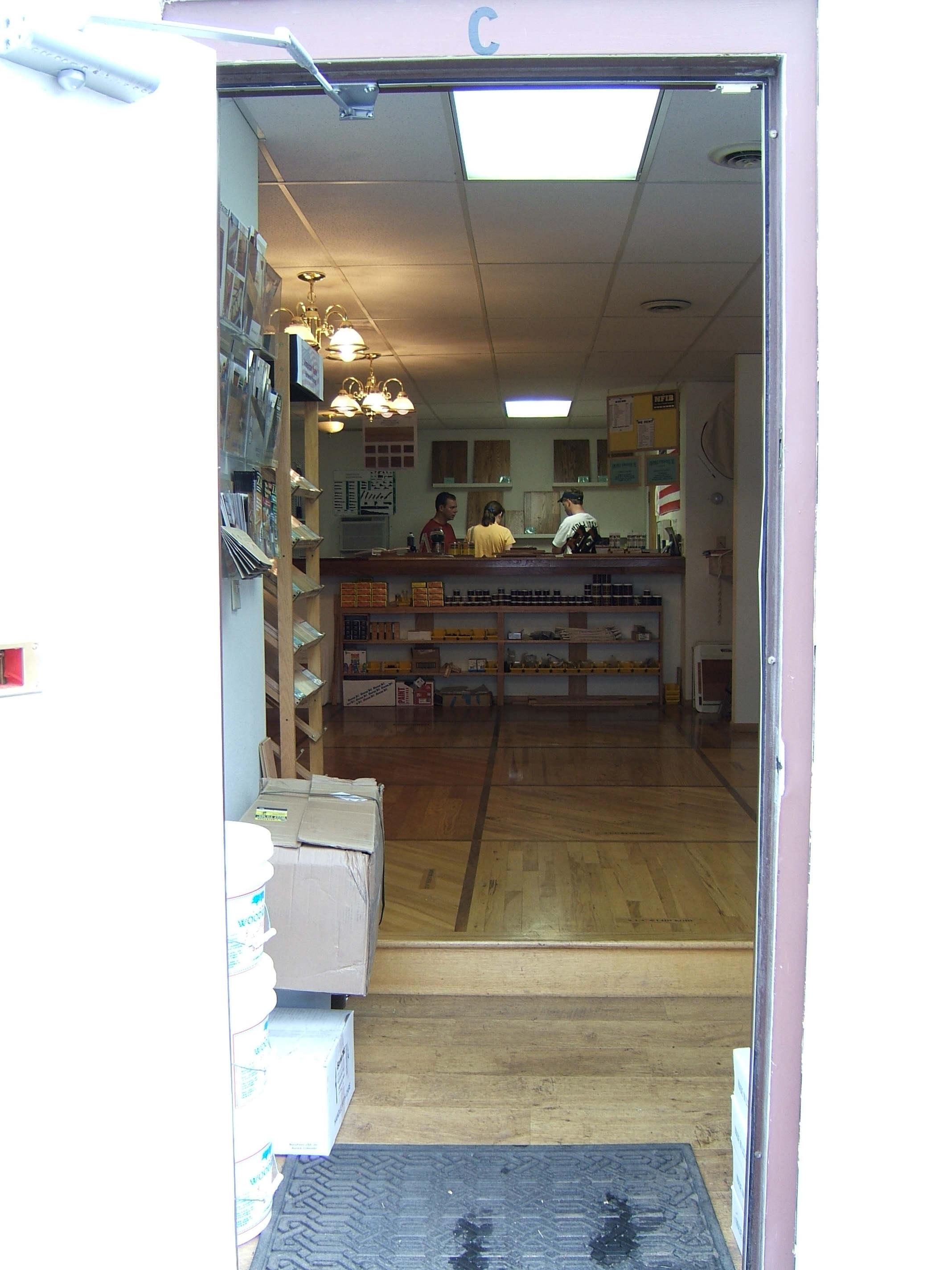 forse il più piccolo showroom mai visitato